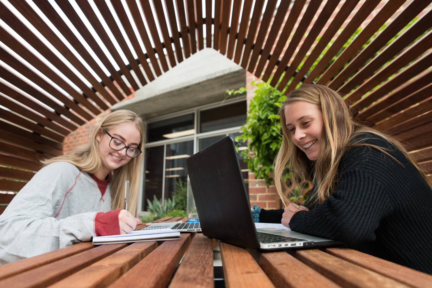 Perth Commercial Advertising Photographer | Curtin University workstation